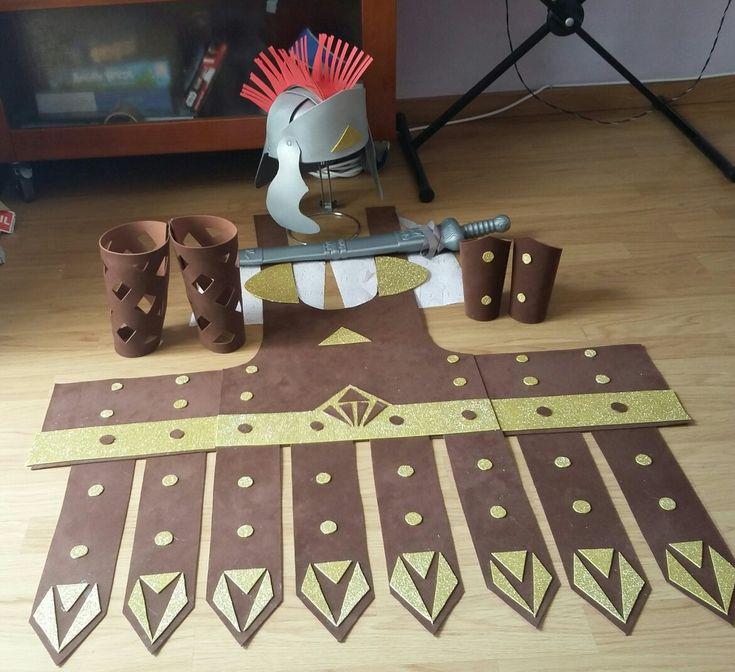 Disfraz de gladiador casero de goma eva