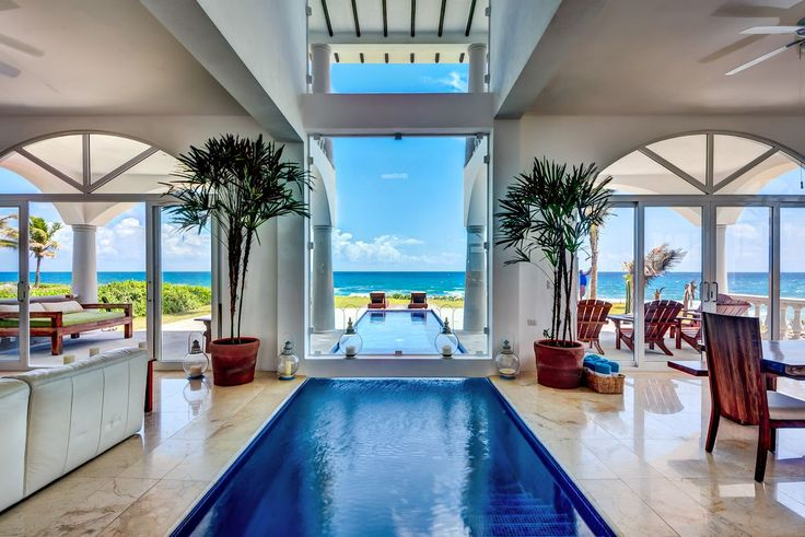 A striking indoor/outdoor pool