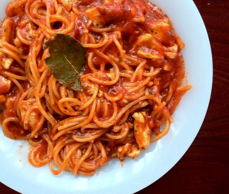 Špagety s paradajkovou omáčkou (mameradijedlo.sk)