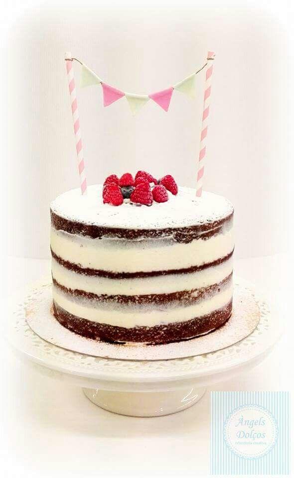 Naked Cake. Vanila With Lemon Cream.