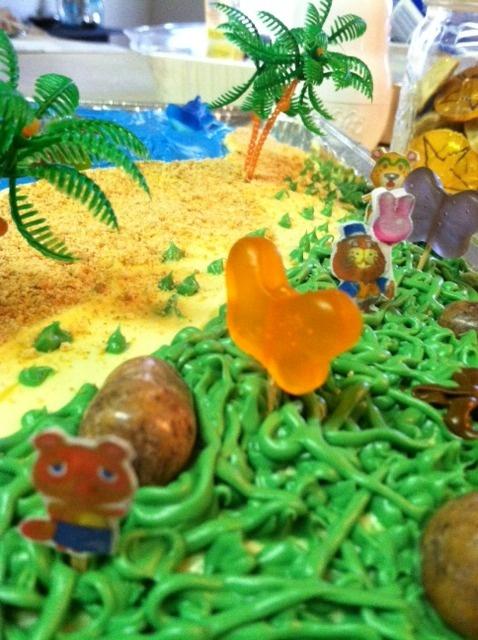 my animal crossing birthday cake! i <3 my friends!