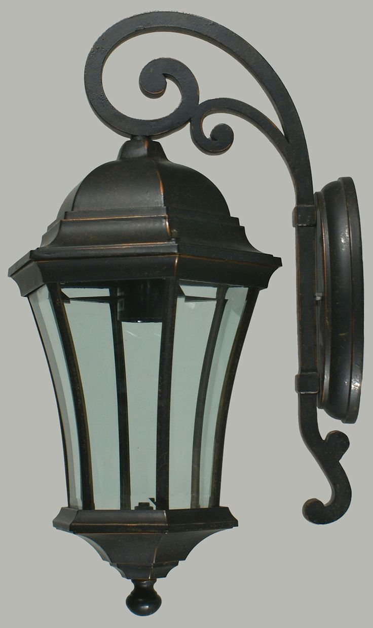 LODE Features Wall light / Strand Strand small exterior w/b bronze OR Strand medium exterior w/b bronze Finishes Antique Bronze Dimensions Small : Height - 41cm / Width - 21cm / Projection - 23cm Medium : Height - 50cm / Width - 24cm / Projection - 30cm