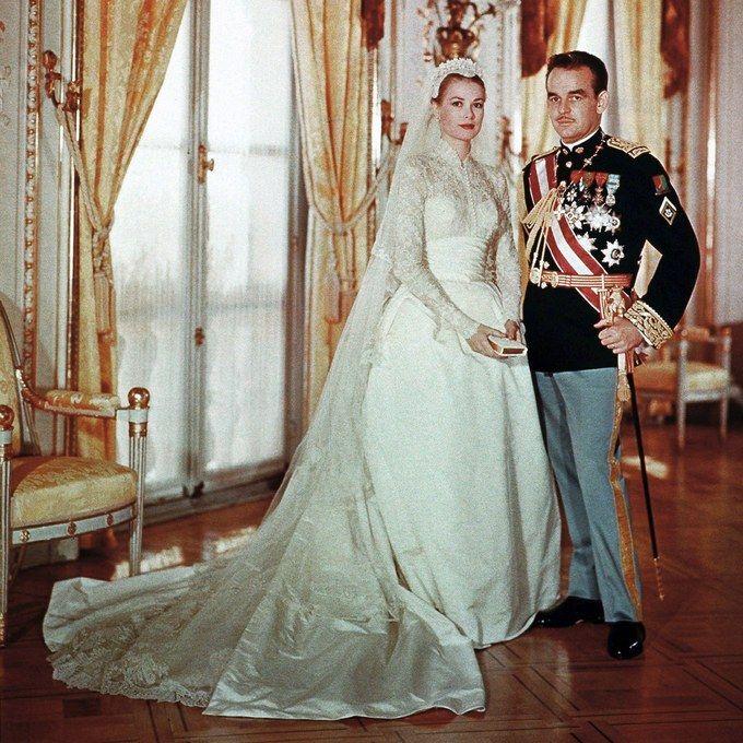 grace-kelly-wedding-4.jpg
