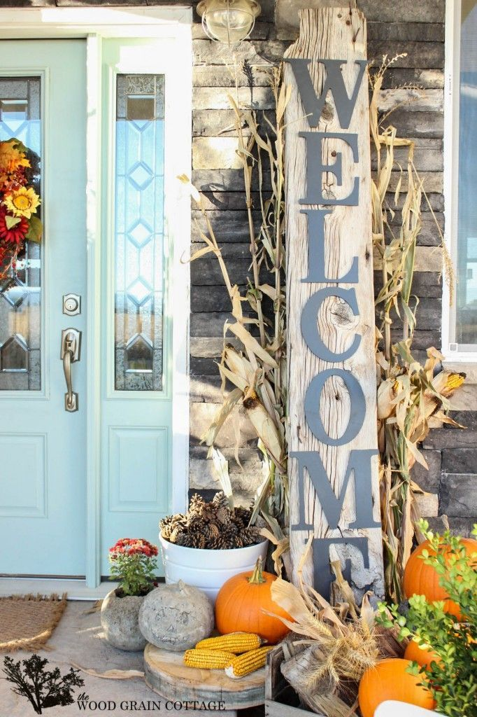 HUGE DIY Welcome Sign by The Wood Grain Cottage @ http://www.thewoodgraincottage.com/2013/10/17/huge-front-porch-welcome-sign/