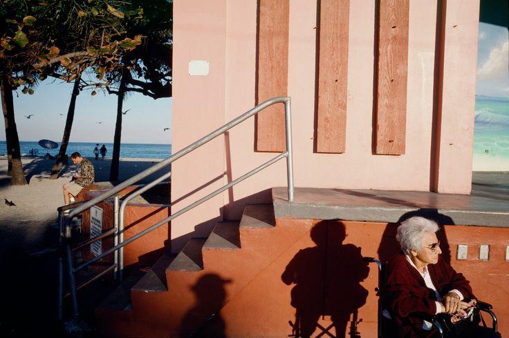 American Color 2. Constantine Manos. USA. Hollywood Beach, Florida. 2003. Magnum Photos Photographer Portfolio