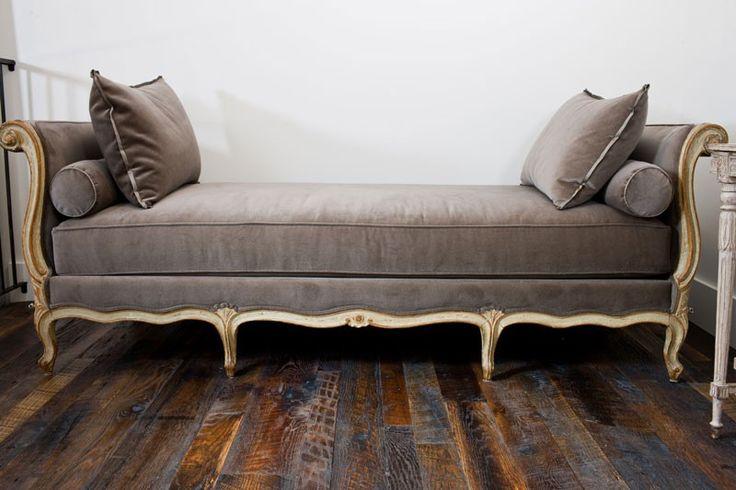 Principales 25 ideas incre bles sobre sof de terciopelo for Sofa estilo frances