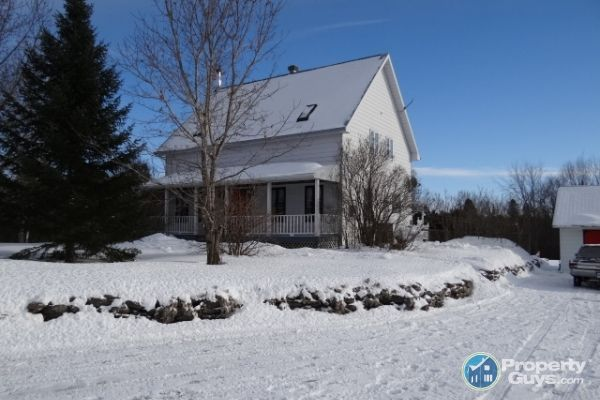 $327,500 Private Sale: 20140 Beaupre Road, Green Valley, Ontario - PropertyGuys.com