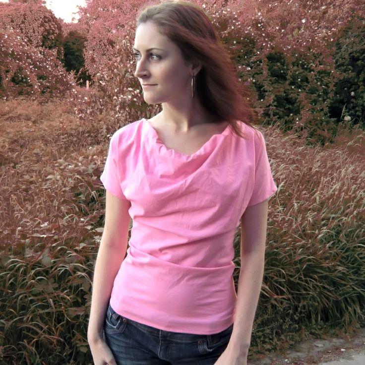 t-shirt, top Feather vel. M Netradiční tričko dle vlastního návrhu. S výstřihem tzv. vodou. Je ušito ze světle růžovéhobavlněného úpletu. Tričko je s krátkými rukávky, pružné a přes prsa volnější. VelikostM (možno také ve velikostiS) délkacca66 cm pas 77 cm spodní šíře92 cm péče - doporučuji prát ručně,žehlení na stupeň 1 V případě, že s tričkem ...