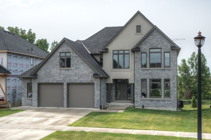 2 Year Old, 3000 ft2, 4 Bedrooms, 2.5 Bathrooms, on Premium Oversized Walkout Lot in Upper Richmond Village!    $729,000 - www.ForestCityTeam.com    #Luxury #RealEstate #LdnOnt #Realtor