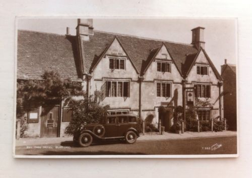 Bay-Tree-Hotel-Burford-Oxfordshire-Early-Real-Photo-RP-Postcard-Vintage-Car