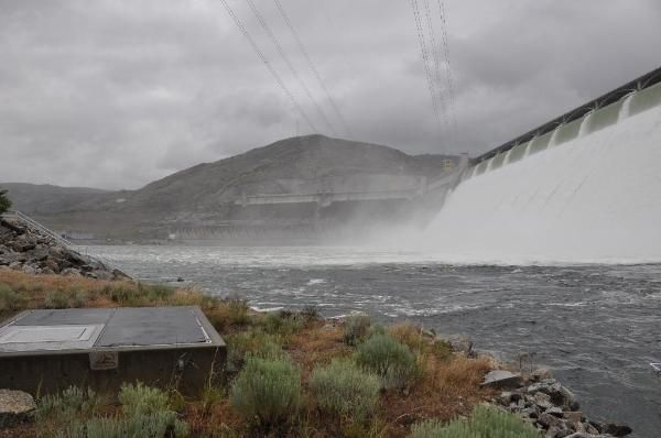 WA's Grand Coulee Dam! One of the largest concrete structures in the world. Photo: goshadow22