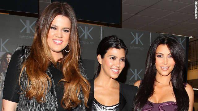 Las hermanas Kardashian generan controversia con traseros y 'KKK'