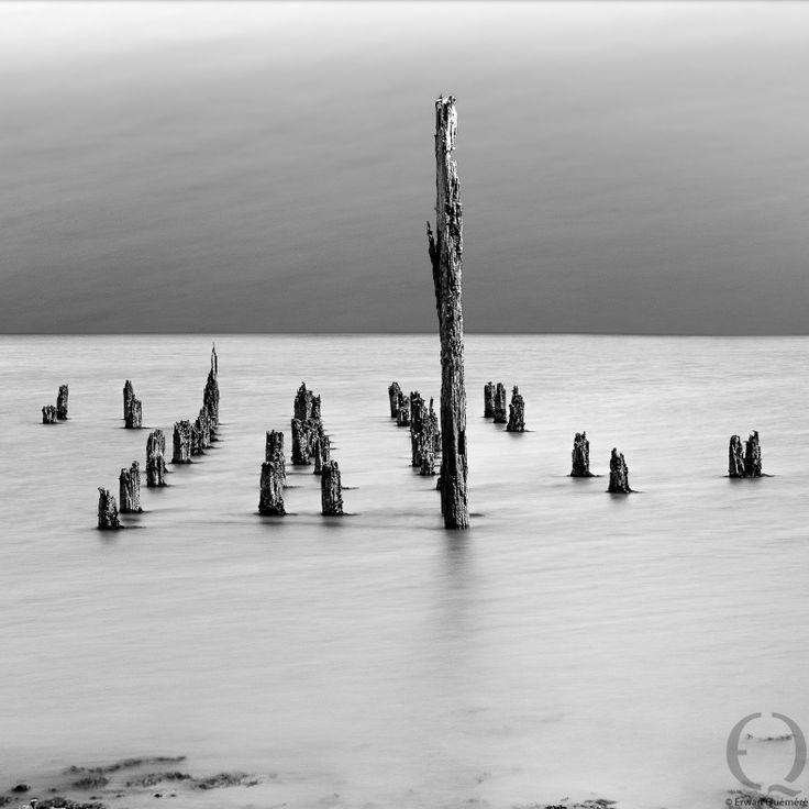 Esprit égaré 1 : PHOTO D'ART COQUE BATEAU EN NOIR ET BLANC - Erwan Quemere Photographe