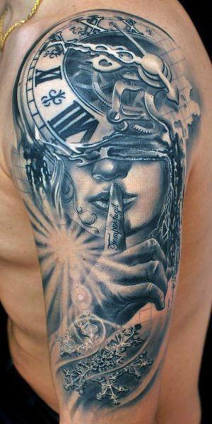 tatuaże 3d zegar i kobieta