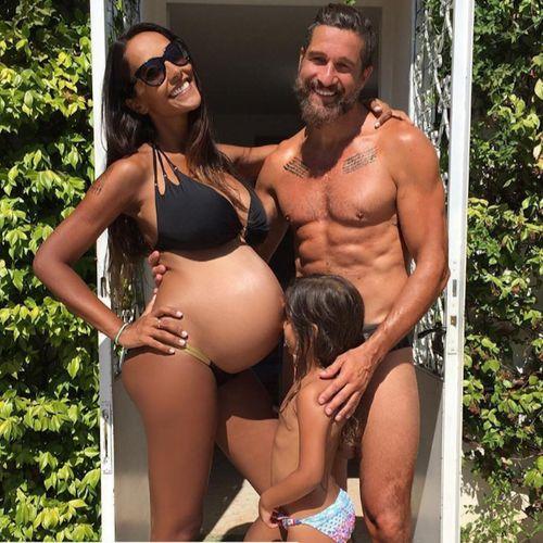 """#JulianaMoreira e l'annuncio su Instagram: """"Contrazioni fortine"""". Arriva il secondogenito"""