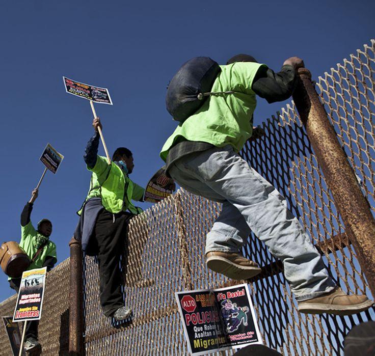 Ecoutez la puissance de ce discours contre l'immigration illégale : « Il y a des sujets dont le gouvernement fédéral doit s'occuper, et s'occuper avec force : l'un de ces problèmes est l'immigration, et l'immigration illégale. Nous allons adopter une...