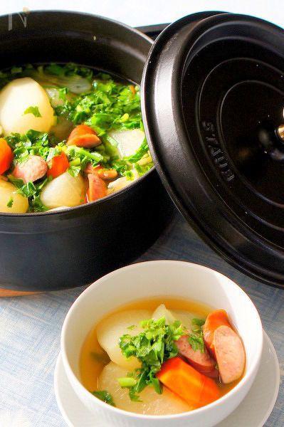 冬野菜とソーセージで簡単な和風ポトフです。