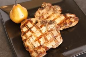 How to Bake Pork Chops in the Pampered Chef Deep Covered Baker   LIVESTRONG.COM