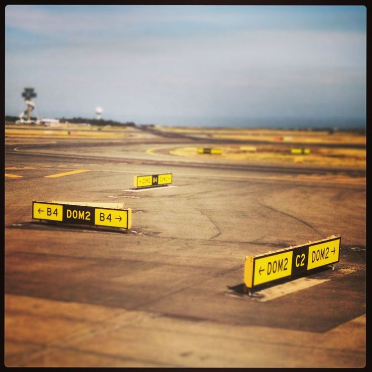 Signs: Sydney Airport
