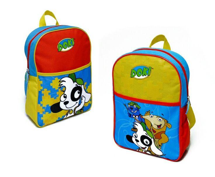 Mochila estampada, en dos diseños, ideal para etapa pre escolar, torantes ajustables, tirador de goma y un compartimiento delantero para guardar cositas, tela polyester.