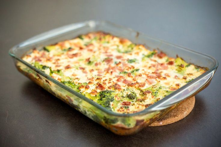 """Low Carb Bacon Broccoli Casserole  When it comes to great-tasting nutrition, broccoli is an all-star food with many health benefits. While low in calories, broccoli is rich in essential vitamins and minerals, in addition to fiber. This popular vegetable has a wide variety of nutritional and medicinal benefits, including its ability to prevent many … Continue reading """"Low Carb Bacon Broccoli Casserole"""" #ketosisrecipes"""