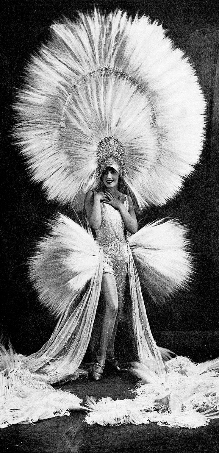 "les-modes: "" Mistinguett, Les Modes January 1930. Photo by Studio Waléry. """