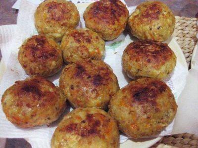 Cheesy Chicken Rissoles recipe