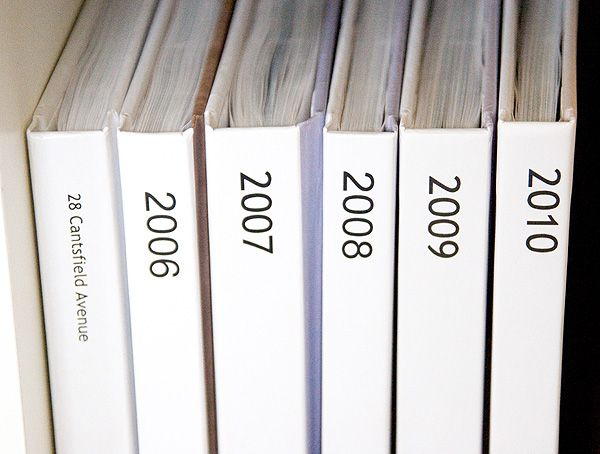 A good blog post about organizing photos and printing yearly photo books. via jengranmorris