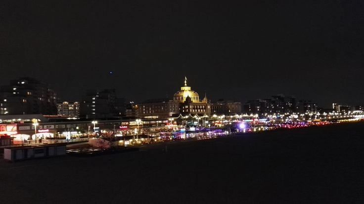 Nightlife of the Hague is simply amazing. Schevenigen Beach has it all, hotels, casinos, beach bars, clubs and pier with Ferris wheel right out in the sea.