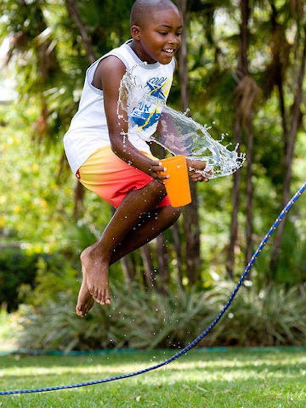 5 actividades para niños ¡para el verano! Divertidas actividades para niños para el verano. Juegos y actividades que podemos hacer en el jardín o el patio durante el verano.