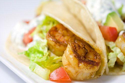 Shrimp Tacos with Cilantro-Lime Sour Cream: Dinners Tonight, Fun Recipes, Sour Cream, Mr. Tacos, Tacos Recipes, Cilantro Lim Sour, Shrimp Tacos, Design Bags, Cilantrolim Sour
