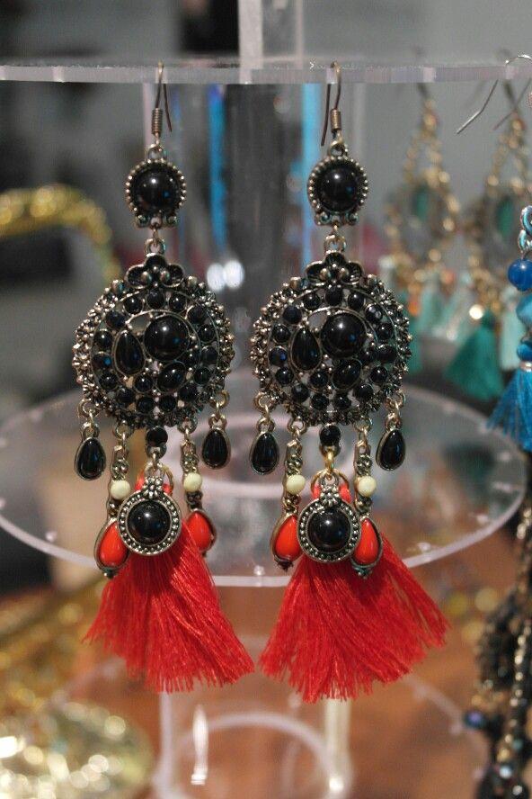 La combinación de negro, Rojo y cobre que no puede faltar.