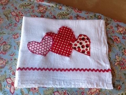 Valentine applique dishtowel. Easy applique project!