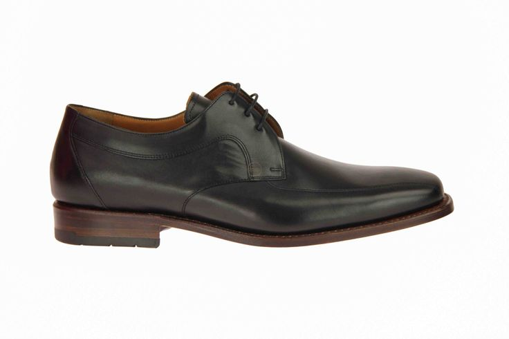 Van Bommel zwarte geklede schoenen met I-leest, voor brede voeten. #VanBommel #Zomer2014 #SchoenenCaramel