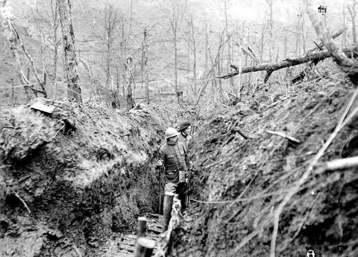 La Bataille De Verdun 1916 300 Jours 300 000 Morts Grande Guerre Territoriaux Bretons Et Normands Du 87 Dit Bataille De Verdun La Grande Guerre Guerre