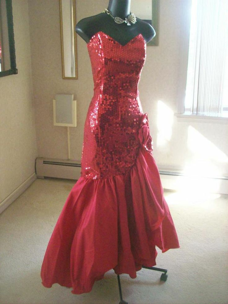 VINTAGE 80s RED SEQUIN PROM PARTY DRESS BEST IN SHOW