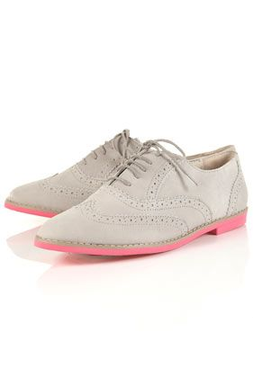 wingtips with pink soles!! be still my heart. topshop.: Fashion Shoes, Neon Sole, Shoes Fashion, Pink Sole, Eva Sole, Pink Shoes, Grey Brogue, Neon Pink, Maddie Eva