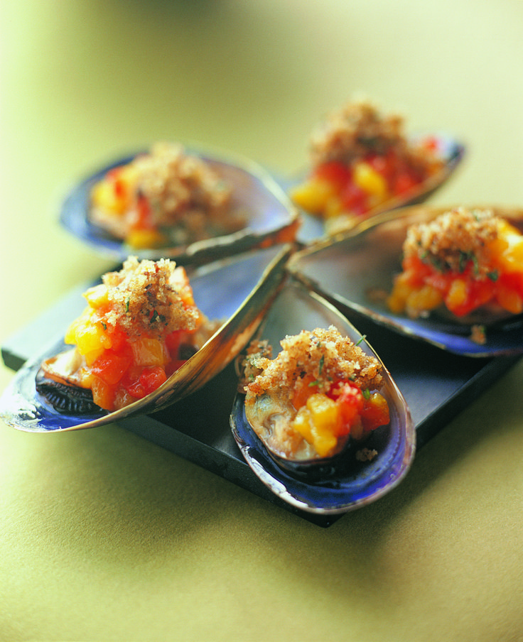 Mussels with Roasted Capsicum and Provencal crumbs