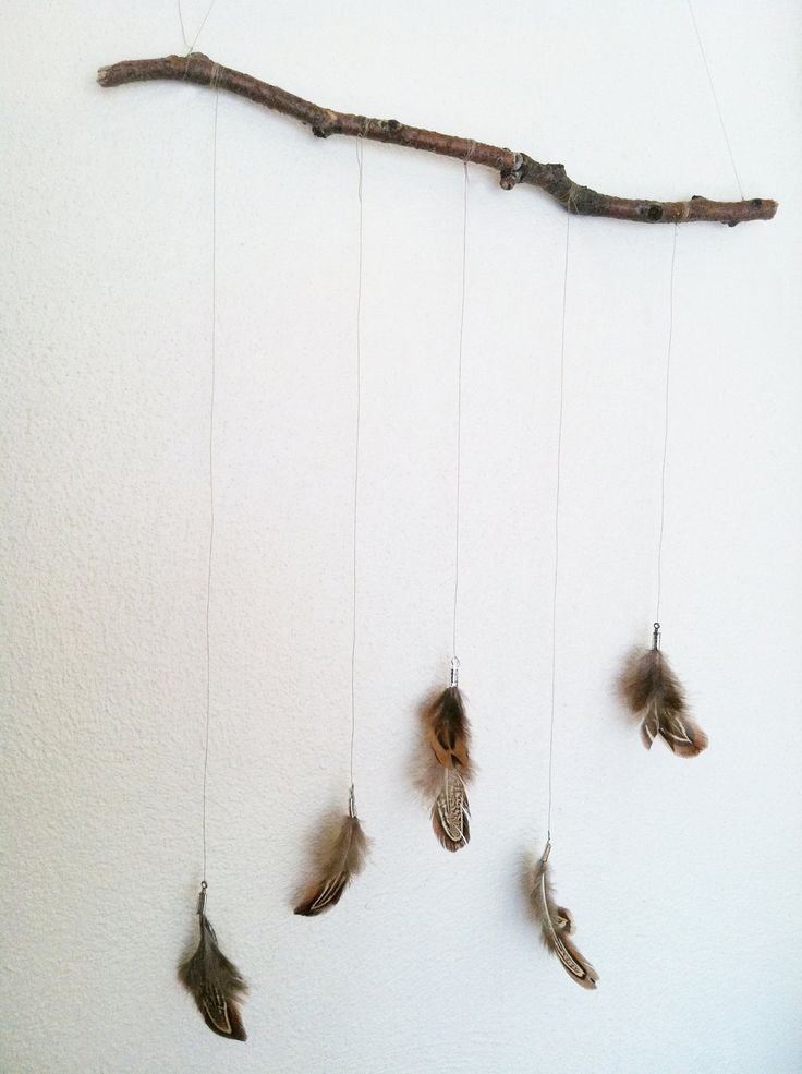 Feather Mobile. Natural Decor // 24.00, via Etsy. (Not something I'd ever buy ~ super easy to make. But left the source here since that's where it came from)