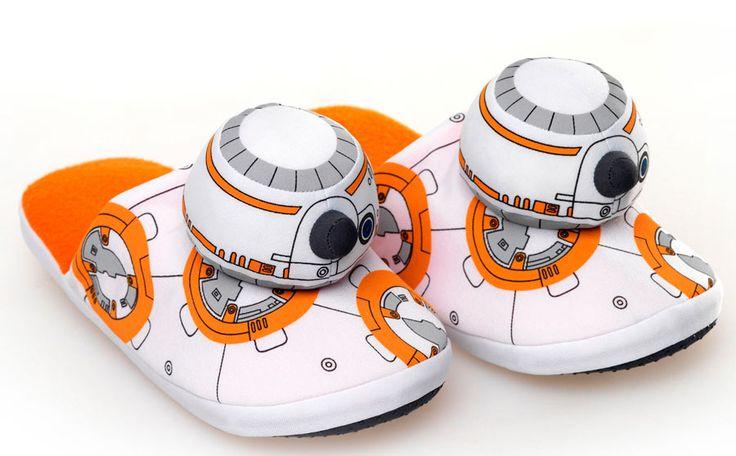 Zapatillas droide BB-8. Star Wars Episodio VII  Auténtico y original detalle que encantará a todos los fans de la saga de Star Wars con esta réplica en forma de zapatillas de estar por casa del droide BB-8 visto en Stra Wars Episodio VII y 100% oficiales y licenciadas.