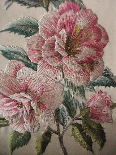 "Vintage Hand Embroidered Picture Panel - BEAUTIFUL ROSES - 10"" X 8.5"" 