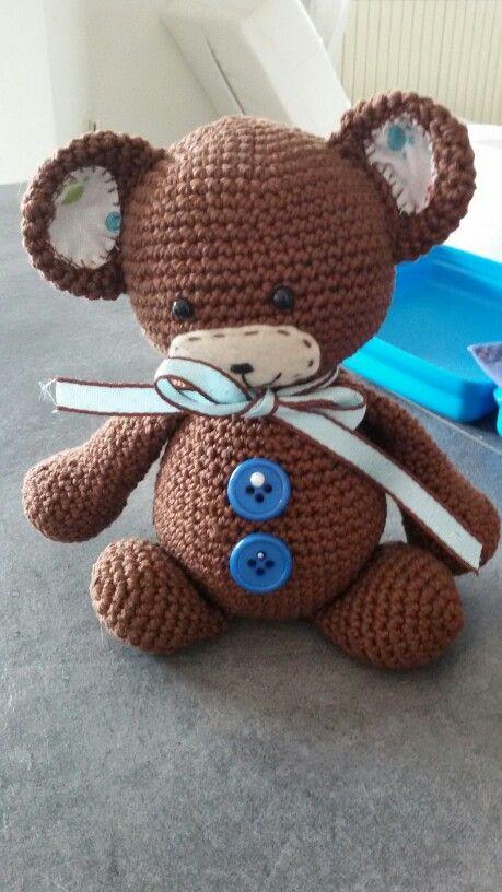 Il mio primo orsetto...grazie all'assistenza di patty. ..