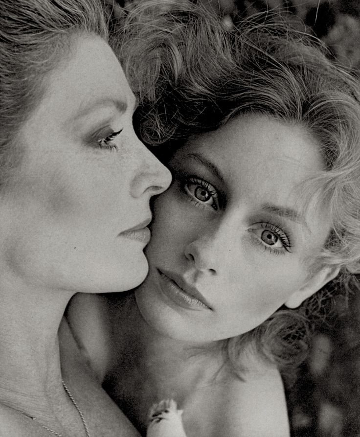 Suzy Parker and daughter Georgia photographed by Richard Avedon 1961