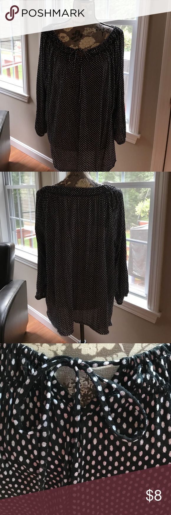 Black with white polkadot smock top size XL Comfy and loose-fitting pull-over smock top  The tag is cut out of the neckline.  Nice preowned condition.  Black with tiny white polkadots.  Elastic around wrist of sleeves. Size XL Tops Blouses