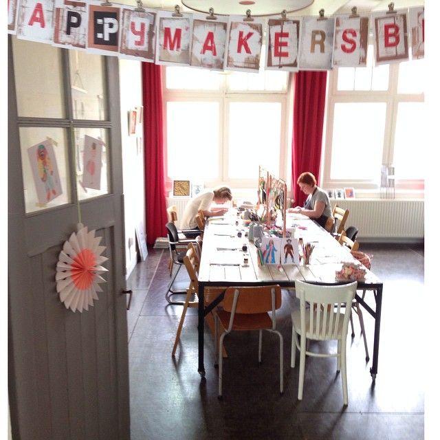 """@happymakersblog's photo: """"Klaar voor de start van het derde PapierAtelier @seinfestijn met workshops van @poppyredontwerp @karenillustraties #geertjeaalders @wowgoods #papieratelier #workshop"""""""