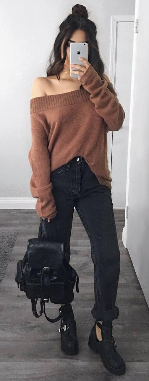 incredible street style / off shoulder sweater   bag   jeans   boots