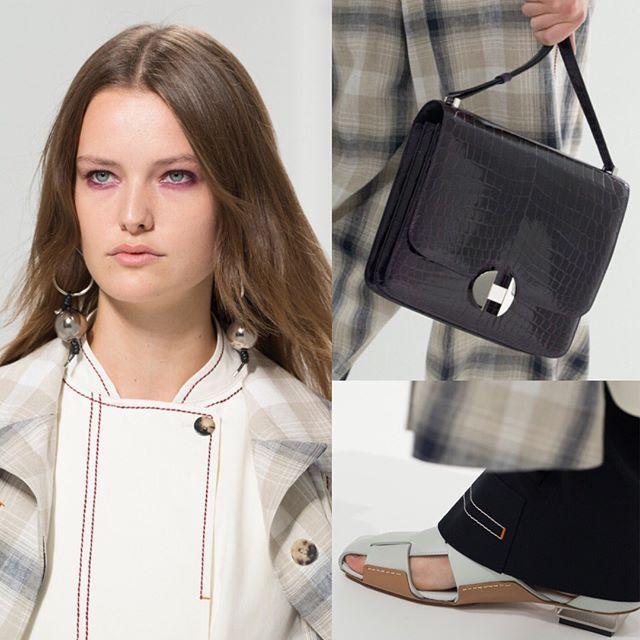 Details at @hermes SS18. Swipe / Брючные костюмы и плащи в клетку-тартан закрытые кожаные сандалии в мужском стиле и новые вариации сумки Constance в весенне-летней коллекции Надеж Ване-Цыбульски для Hermès. Листайте влево и ищите все образы с показа по ссылке в профиле. via VOGUE RUSSIA MAGAZINE OFFICIAL INSTAGRAM - Fashion Campaigns  Haute Couture  Advertising  Editorial Photography  Magazine Cover Designs  Supermodels  Runway Models