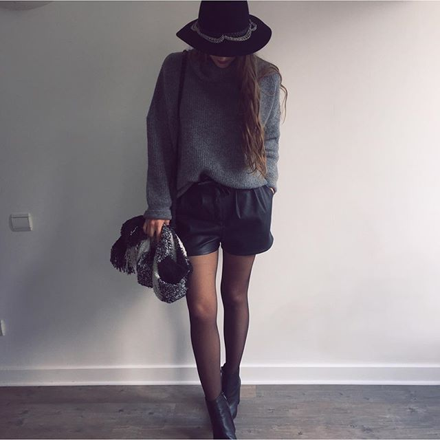 OOTD pour le concours @pimkie #newpimkie et un nouvel article sur le blog qui parle de cette marque qui à bien changé! #frenchandstylish #fashion #lyon #girls  #ootd #night #instamode #blogger #lookoftheday #instalook #streetstyle #outfitpost #pimkiexme