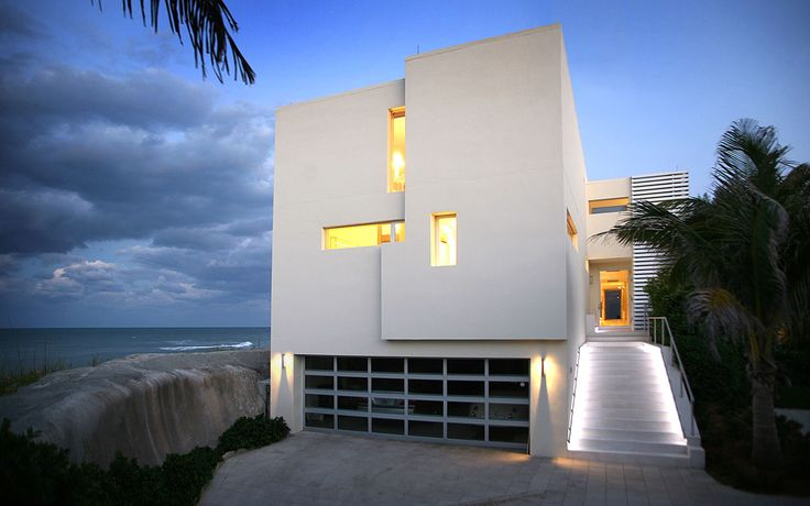 Beach Road 2 House by Hughes Umbanhowar Architects