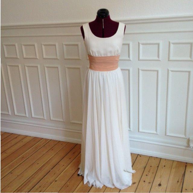 Skræddersyet dansk kjole i silke og silkechiffon, nyere dato, | Vintagebrides